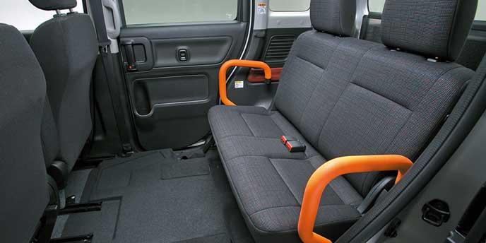 フレアワゴン車いす移動車の後席スペース