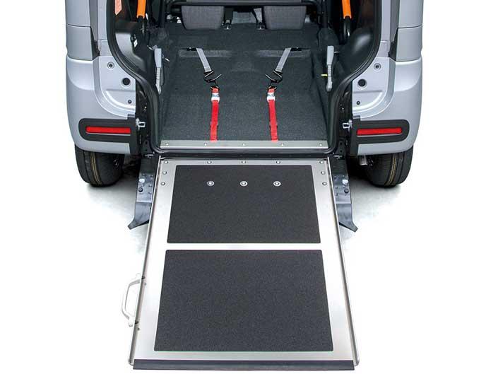フレアワゴン車いす移動車のスロープ