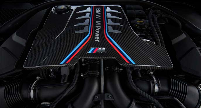 BMW新型「M8クーペ/M8カブリオレ」のエンジン