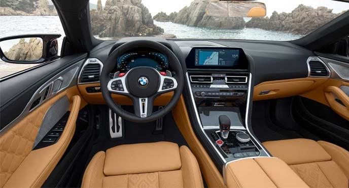 BMW新型「M8クーペ/M8カブリオレ」のインテリア
