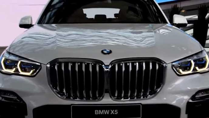 BMW X5のキドニーグリル