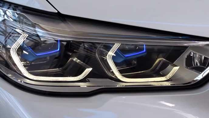 BMW X5のヘッドライト
