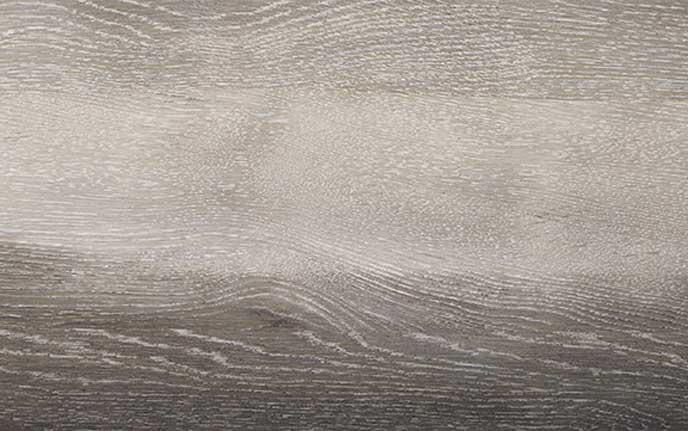 新型ジェイドのオーク木目調のインパネ加飾