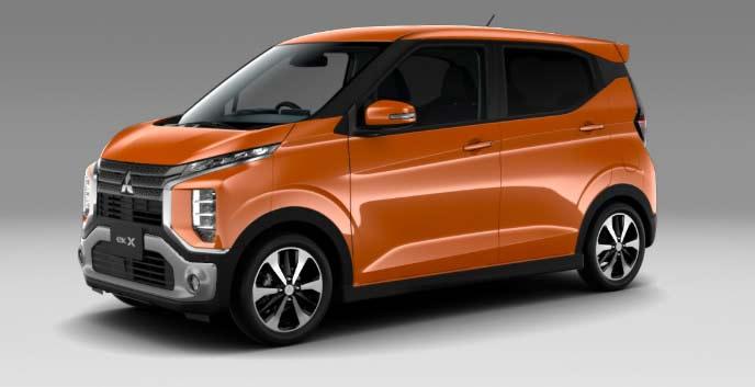 サンシャインオレンジメタリックの新型ekクロス