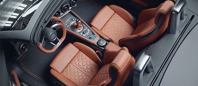 アウディ TTシリーズ誕生20周年記念モデルのインテリア
