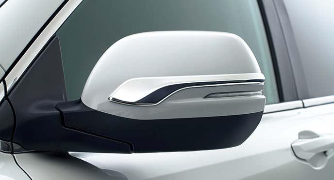 新型CR-Vのドアミラーガーニッシュ