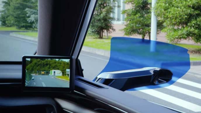 世界で初めて市販車の新型ESに搭載されるデジタルアウターミラー