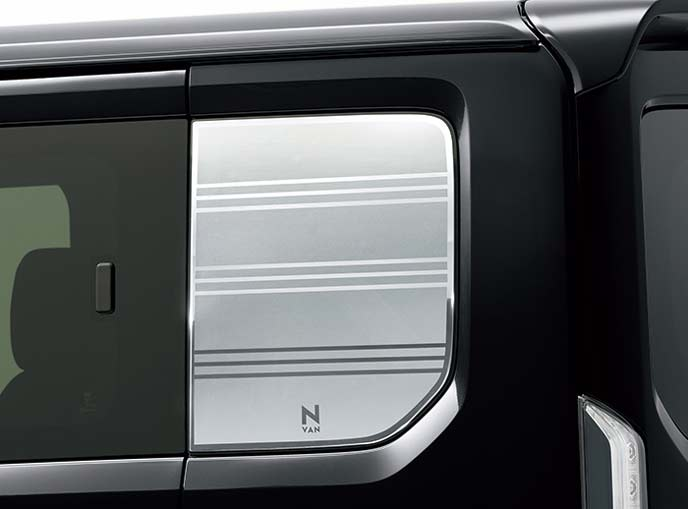 新型N-VANのクォーターウィンドウデカール