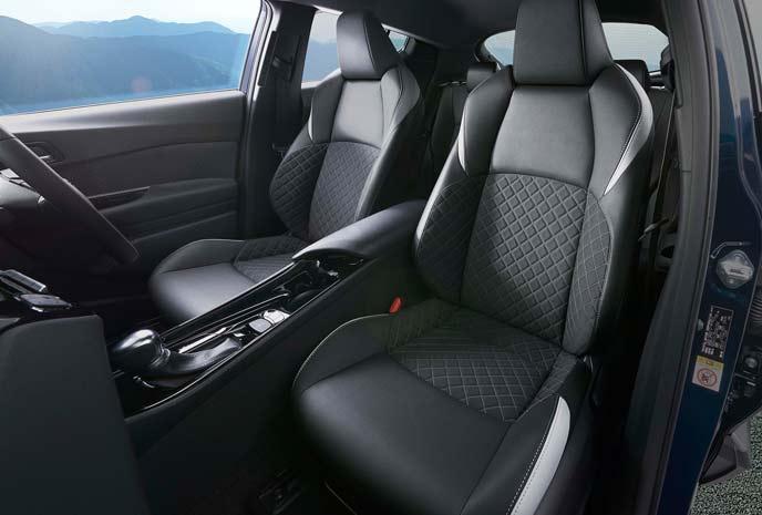 C-HR特別仕様車モードネロのフロントシート
