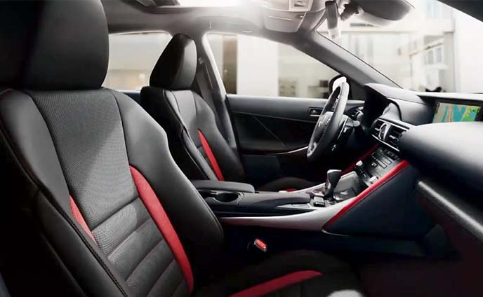 レクサスISの特別仕様車「Black Line Special Edition」のインテリア