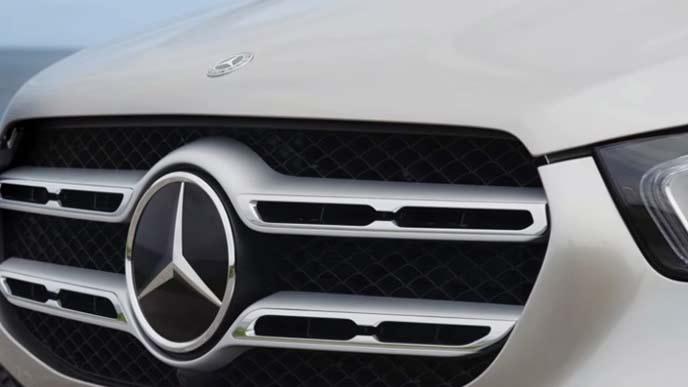 メルセデス・ベンツ新型GLEのフロントグリル