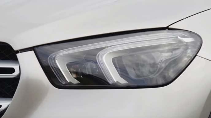 メルセデス・ベンツ新型GLEのヘッドライト