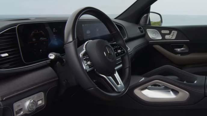メルセデス・ベンツ新型GLEのデジタルコックピット