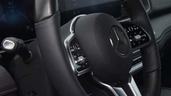 メルセデス・ベンツ新型GLEのステアリングホイール