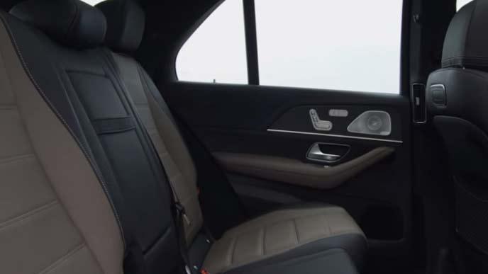 メルセデス・ベンツ新型GLEのセカンドシート