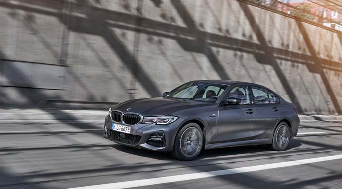 BMW 330eのエクステリア