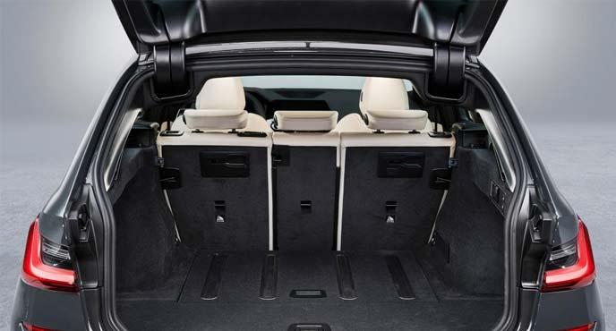 BMW新型「3シリーズ ツーリング」の電動テールゲート