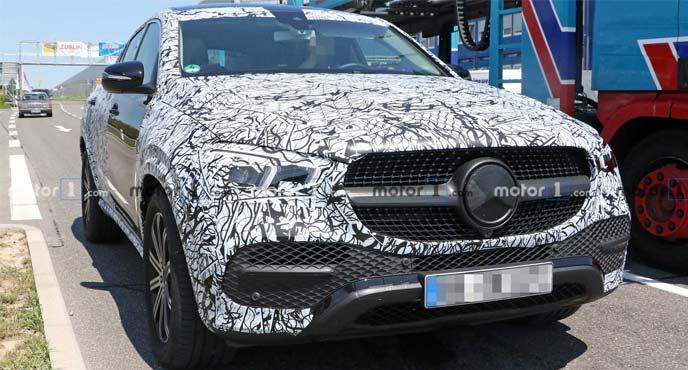 メルセデス・ベンツ新型GLEクーペの開発車両
