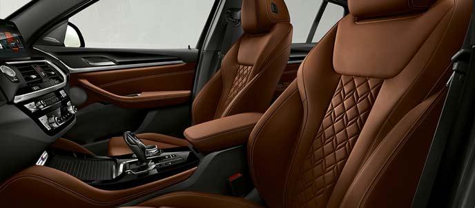 BMW X4のタルトゥーフォの内装