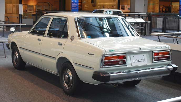 トヨペット コロナ T100型 前期型のリヤビュー