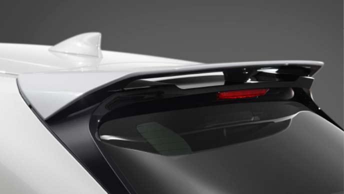 レクサス新型UXのTRD ルーフスポイラー
