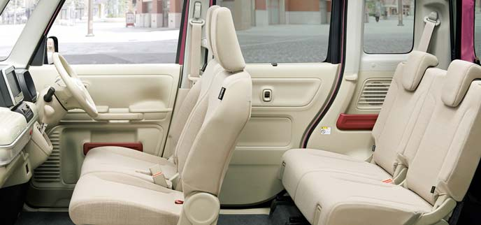 フレアワゴンの「ハイブリッドXS」のシート