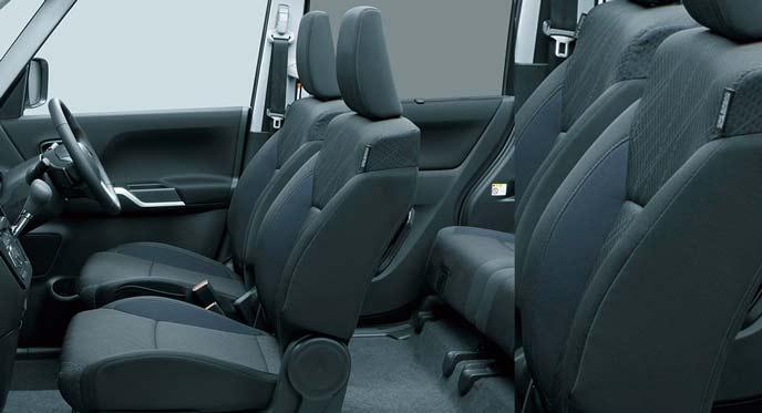 デリカD2カスタムに標準装備のシート