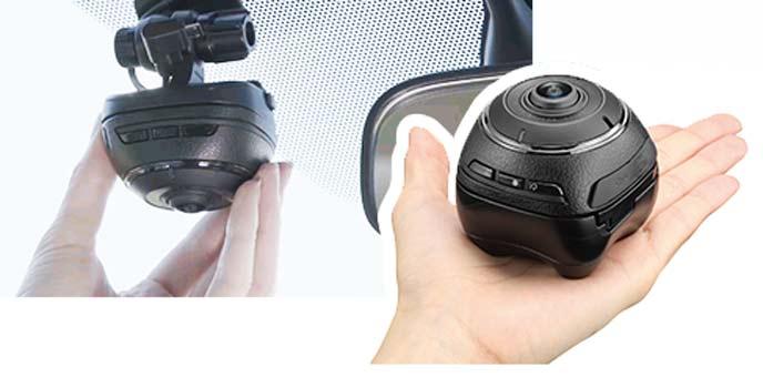 360度撮影できるおすすめのカーメイト d'Action 360(DC3000)のドライブレコーダー
