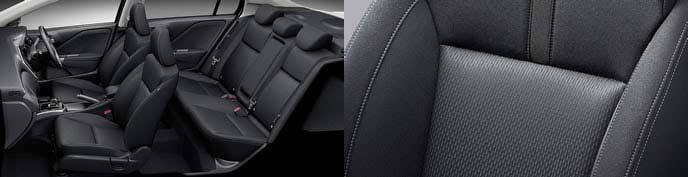 新型グレイスのブラックスタイルの内装とシート