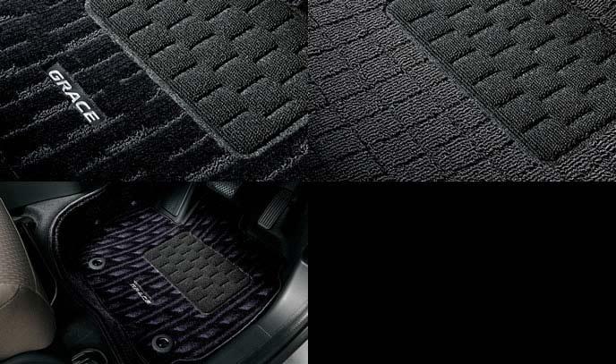 新型グレイスのフロアカーペット