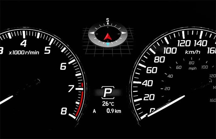 多彩な情報をドライバーに伝えるマルチインフォメーションディスプレイ