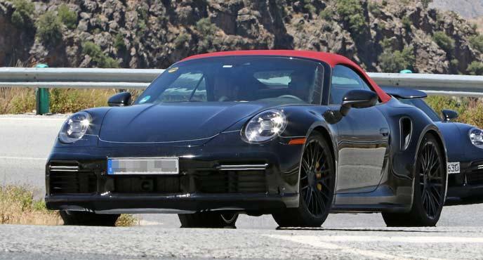 ポルシェ911の派生モデル「911ターボ カブリオレ」の新型プロトタイプ