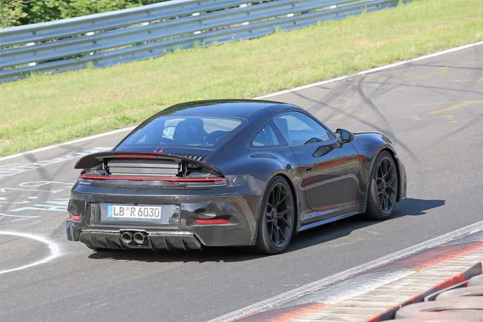 911 GT3ツーリングパッケージの開発車両