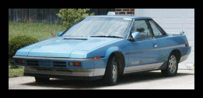 スバルで唯一リトラクタブルヘッドライトを採用した車アルシオーネ。