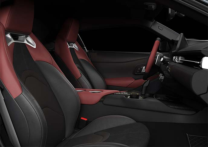 A90型スープラのレザーシートはダブルステッチがポイント!高級感のある見た目だけでなく性能も重視されている