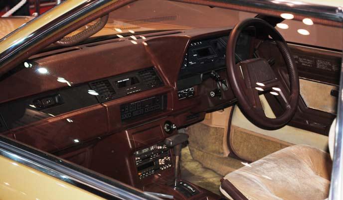 トヨタ ソアラ2800GT Z10型の内装