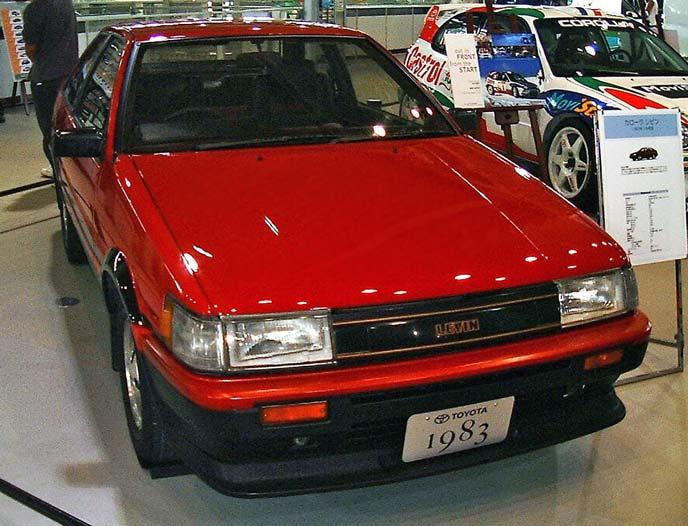 トヨタ AE86カローラレビン AE86型のエクステリア