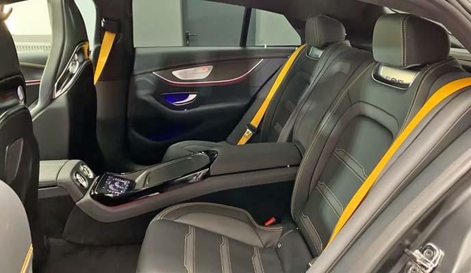 メルセデスAMG GT63 S 4MATIC+ Edition1のリアシート周り