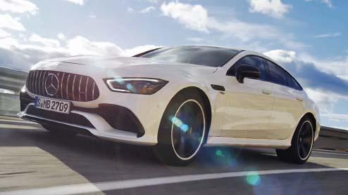 メルセデスAMG GT 4ドアクーペが誕生~新型モデルはスポーツ性能と実用性を追求