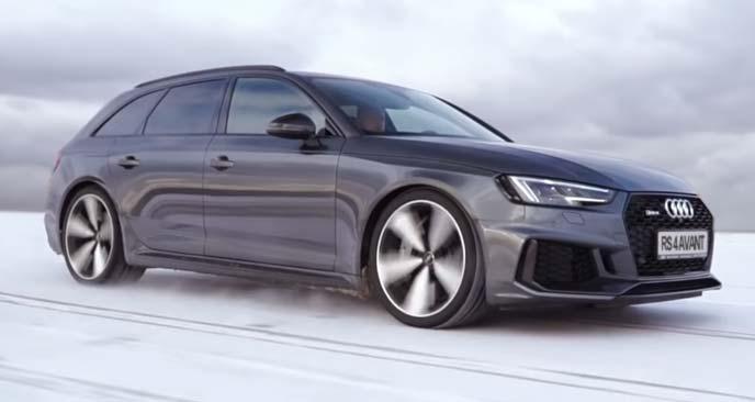 雪道を走る新型RS 4 アバント