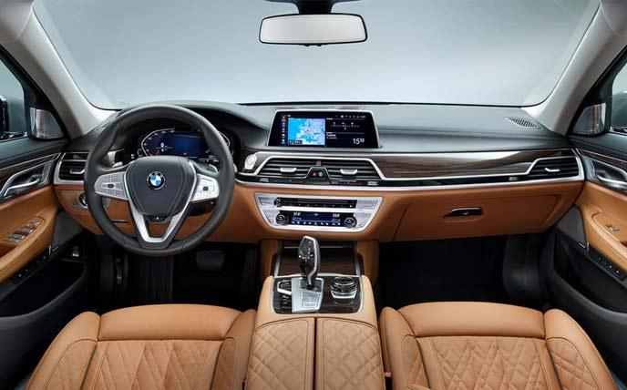 BMW7シリーズ改良新型530馬力ツインターボのインテリア