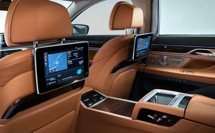 BMW7シリーズ改良新型530馬力ツインターボの大型フロントグリル