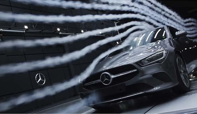新型GLAには最新のインテリジェントドライブを装備し安心感のあるドライブを楽しめる