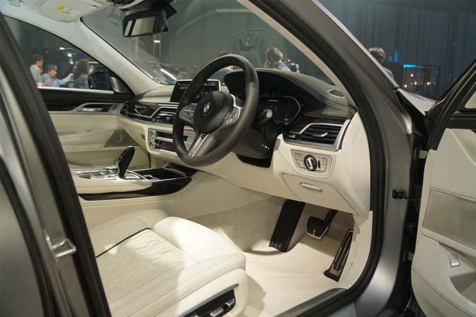 BMW改良型「7シリーズ」のインテリア