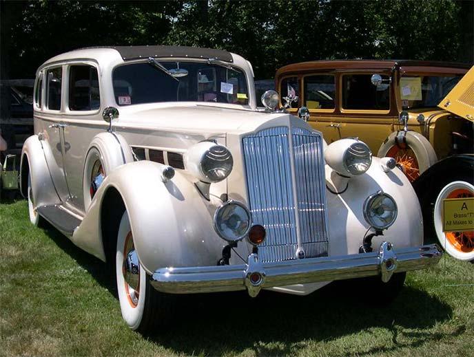 パッカードスーパーエイト 1937年モデル