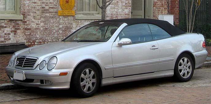 メルセデスベンツCLKカブリオレ初代モデル