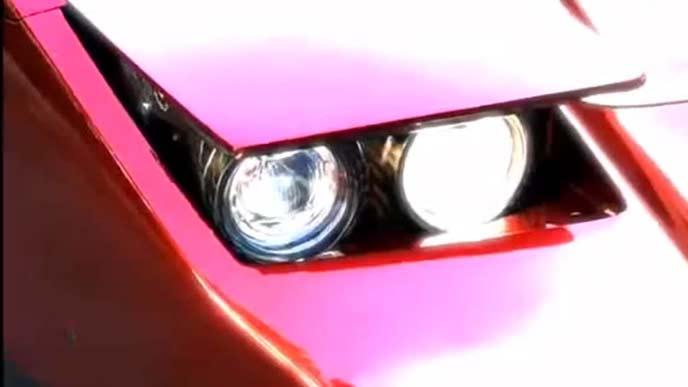 デトマソ パンサーのリトラクタブルヘッドライト