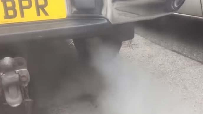 エンジントラブルになりやすい混合気の白煙