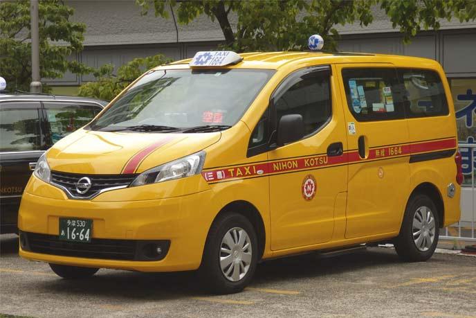 NV200タクシーのエクステリア