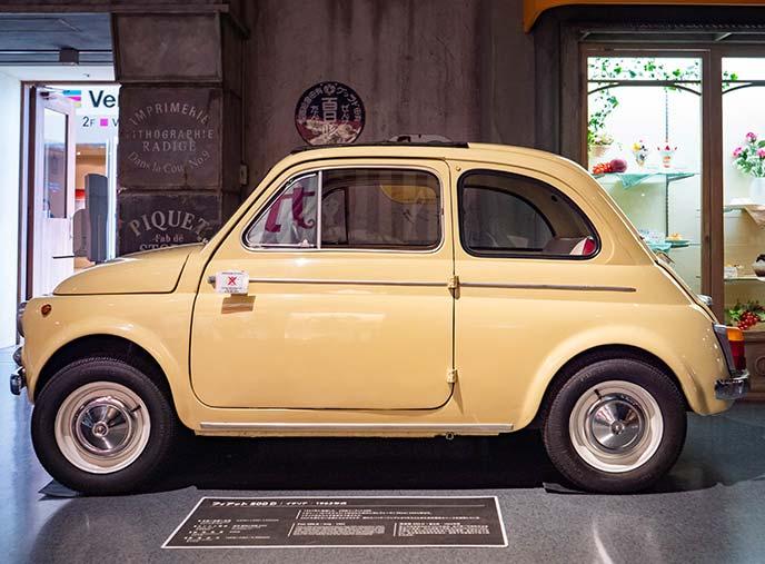 フィアットNUOVA500(チンクエチェント) 1962年式の左サイドビュー